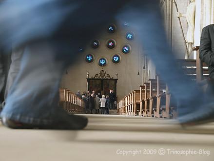 Am Altar sitzen, Saint-Paulus-Dom Münster, © Kô-Sen