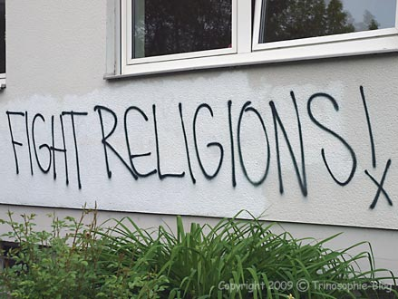 Graffiti gegen Religion © Kô-Sen/Trinosophie-Blog