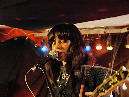 School Of Seven Bells, Alejandra Deheza, Münster, Germany, March 2009 © Heinz Knotek
