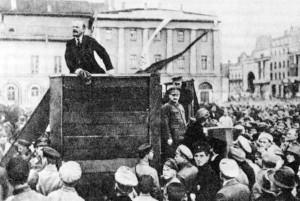 Lenin mobilisiert mit seinen Ideen die Massen.Foto: Grigori Petrowitsch Goldstein (1870-1941)